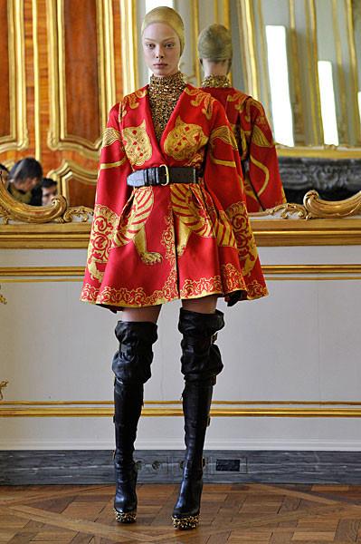Последняя коллекция Alexander McQueen. Изображение № 6.