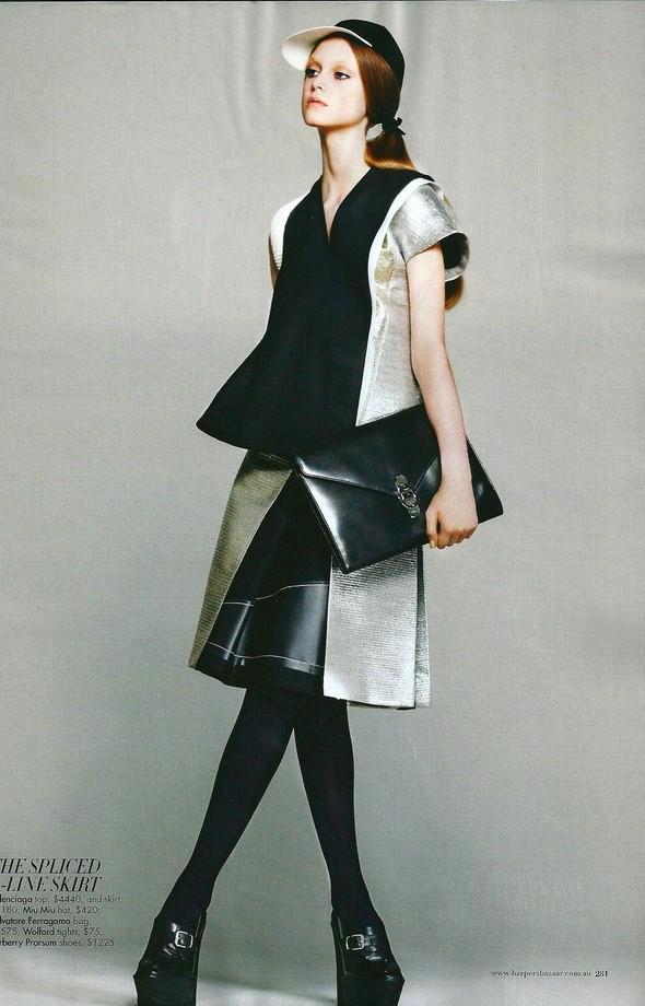 Съёмка: Джемма Бейнес для Harper's Bazaar. Изображение № 6.