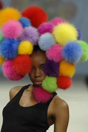 Цветная зима веселых шапАчек. Изображение № 3.