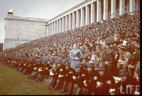 100 цветных фотографий третьего рейха. Изображение № 29.