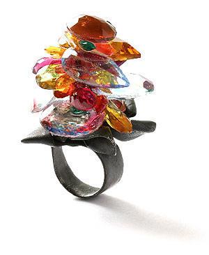 Karl Fritsch: Кольцо может быть оружием. Изображение № 37.