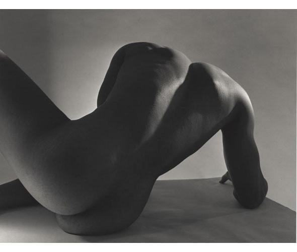 Части тела: Обнаженные женщины на винтажных фотографиях. Изображение №106.