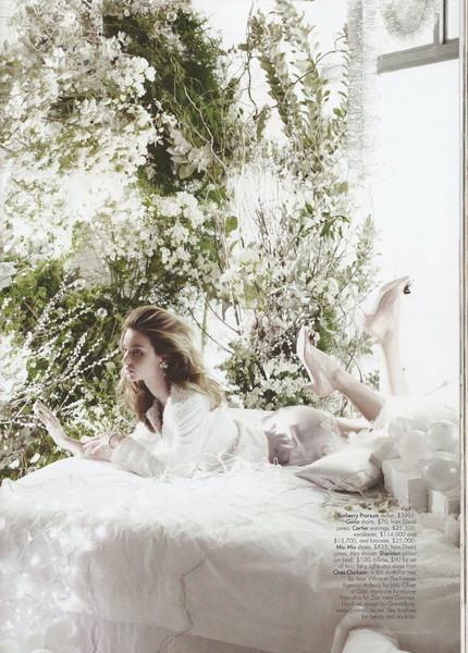 Miranda Kerr forHarpers Bazaar (December, 2009). Изображение № 4.