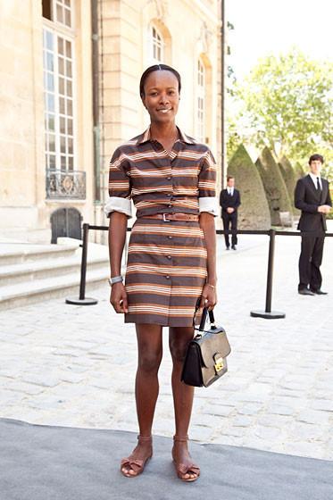 Уличный стиль на Неделе высокой моды в Париже. Изображение № 32.