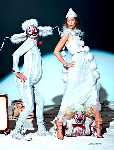 Алана Циммер и Кристал Рэн для Vogue Russia. Изображение № 2.
