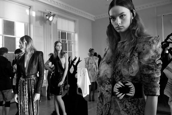 Бэкстейдж Лондонской недели моды. Изображение № 5.