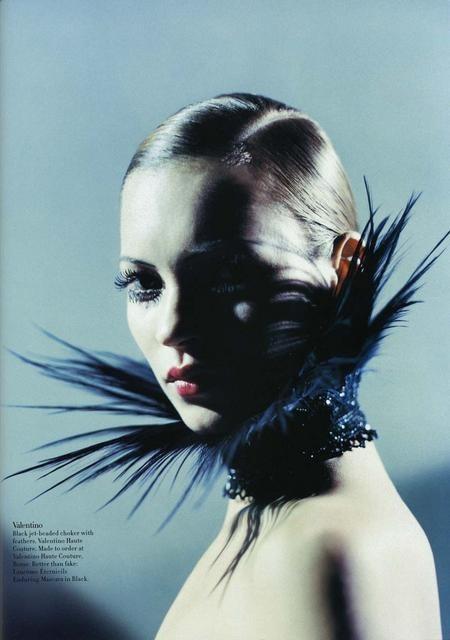 Архивная съёмка: Кейт Мосс для Harper's Bazaar, апрель 1998. Изображение № 5.