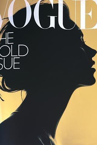 Vogue, Kate Moss. одна из знаковых обложек, созданных при Александре Шульман. На Кейт — аромат J'Adore Dior. Фотограф: Ник Найт.. Изображение № 3.