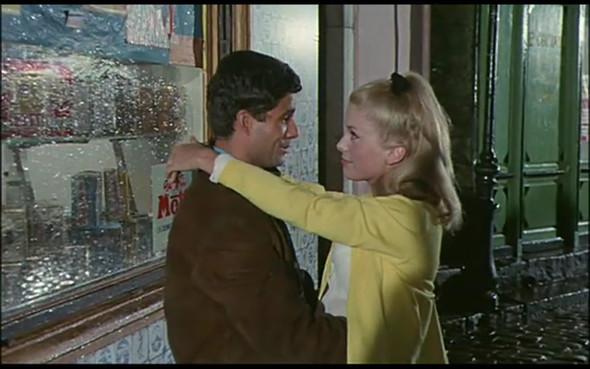 Movie-Looks: «Шербурские зонтики». Изображение № 1.