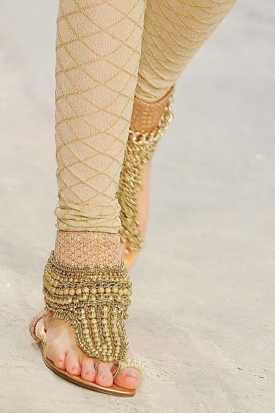 Детали с показа Chanel Pre-Fall 2012. Изображение № 23.