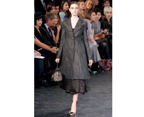 Можно все: Модели на показе Louis Vuitton. Изображение № 14.