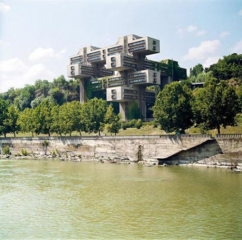 Министерство автомобильных дорог, Тбилиси. 1974. Изображение № 6.