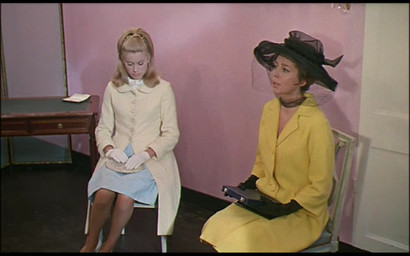 Movie-Looks: «Шербурские зонтики». Изображение № 24.