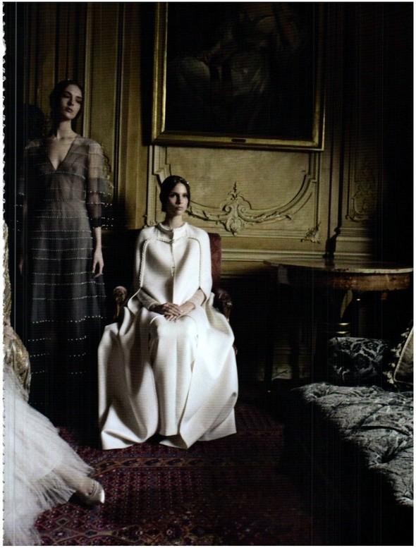 Съёмка: Кутюр Valentino в итальянском Vogue. Изображение № 3.