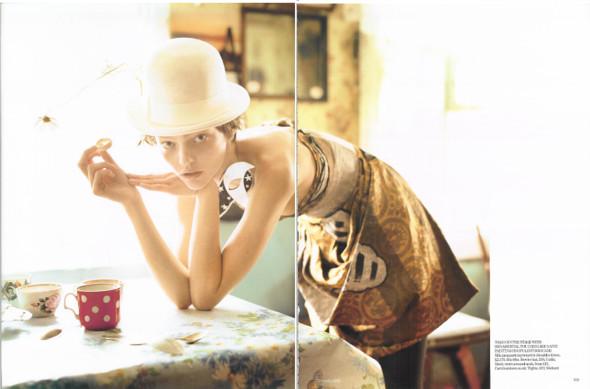 Magazine: Vogue UKJanuary 2007. Изображение № 13.