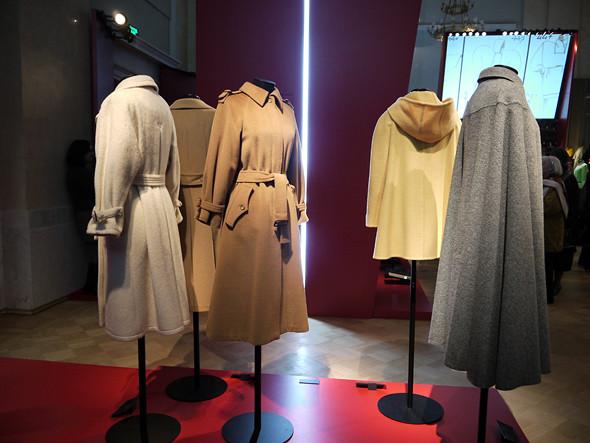 Выставка: «Пальто! Max Mara, 60 лет итальянской моды». Изображение № 13.