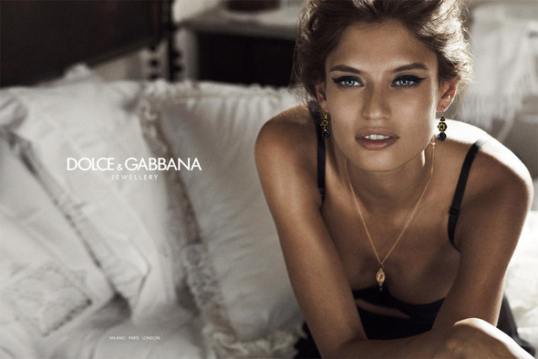 Кампании украшений: Dolce & Gabbana, Tiffany & Co и H. Stern. Изображение № 8.