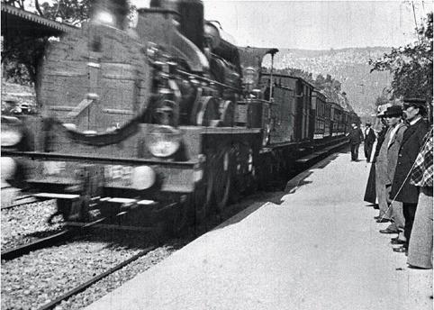 Кадр из фильма братьев Люмьер «Прибытие поезда» 1985 г.. Изображение № 2.