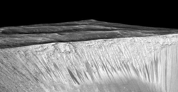 Подтверждено наличие жидкой воды на поверхности Марса. Изображение № 2.