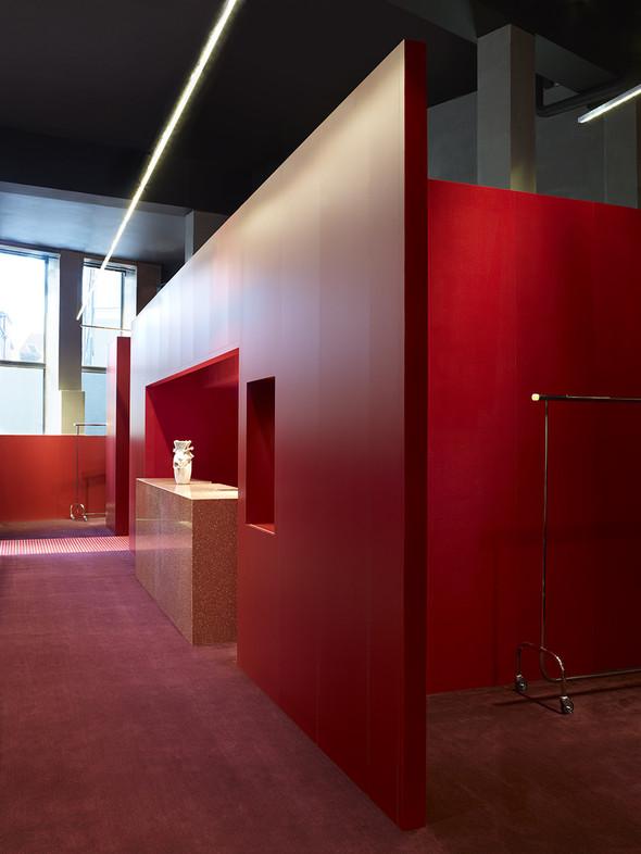 Новые магазины: Acne в Копенгагене, Dover Street Market в Токио и Prada в Москве. Изображение № 1.
