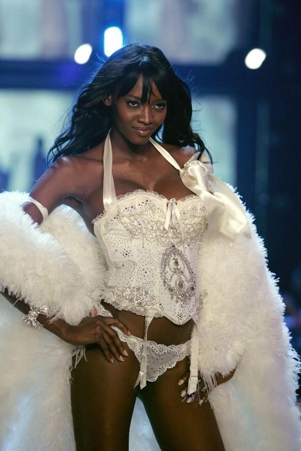 Victoria's Secret Lingerie Fashion Show 2008. Изображение № 32.