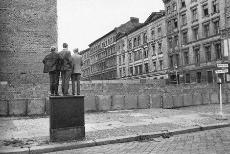 Работы французского фотографа Henri Cartier-Bresson. Изображение № 22.