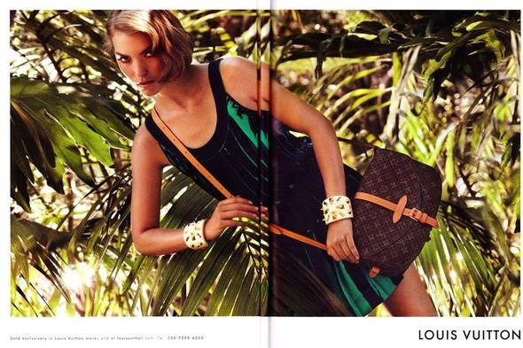 Превью кампании: Аризона Мьюз для Louis Vuitton. Изображение № 1.