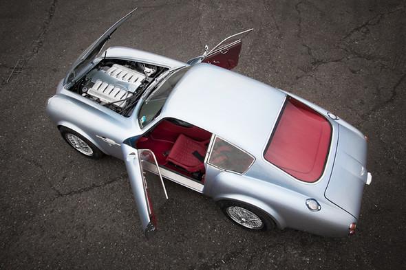 Воскрешение Aston Martin DB4 GT Zagato. Изображение № 5.
