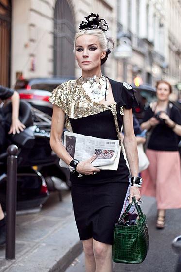 Уличный стиль на Неделе высокой моды в Париже. Изображение № 42.