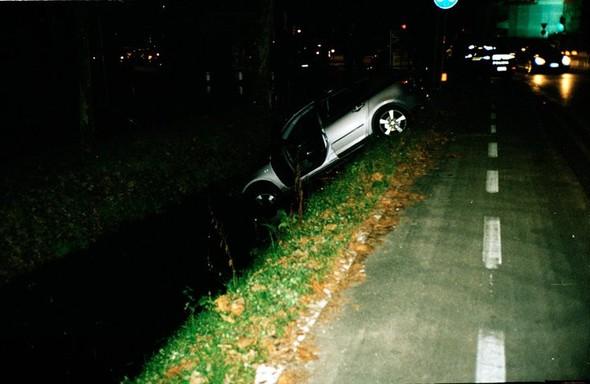 Машина в канале в пятничную ночь. Изображение № 37.