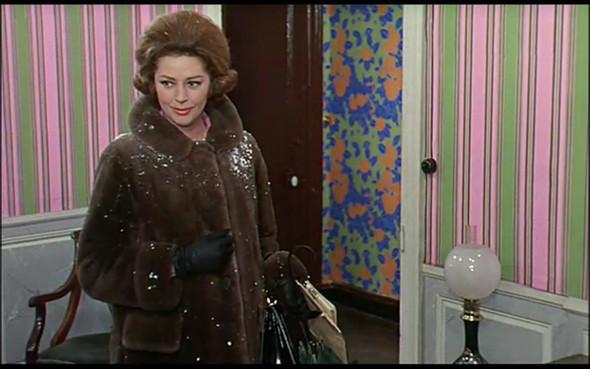 Movie-Looks: «Шербурские зонтики». Изображение № 26.