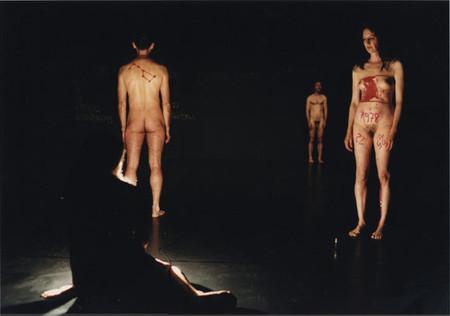 Oбнаженность всовременном танце. Изображение № 8.