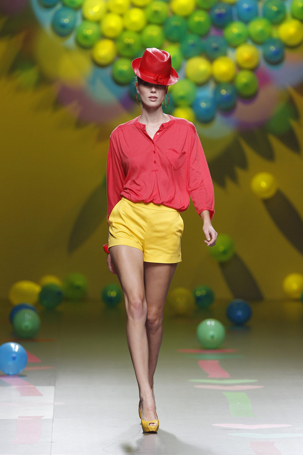 Madrid Fashion Week SS 2012: Agatha Ruiz de la Prada. Изображение № 23.