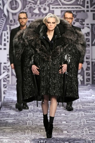 Back to black : Gareth Pugh и Victor&Rolf aw 2010-2011. Изображение № 45.