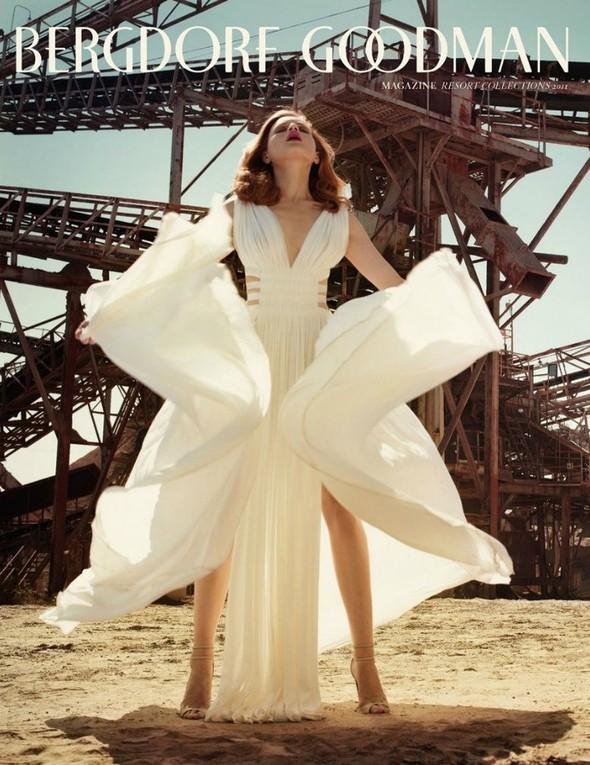 Съёмка: Жиневье ван Синус для Bergdorf Goodman. Изображение № 1.