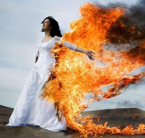 Trash the Dress: смерть свадебному платью!. Изображение № 3.