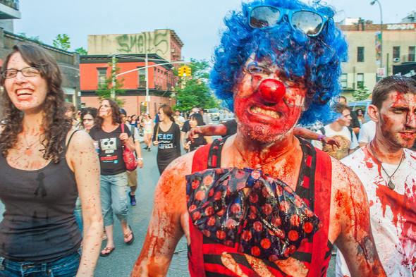 Зомби парад в Нью Йорке. NYC Zombie Crawl.. Изображение № 10.