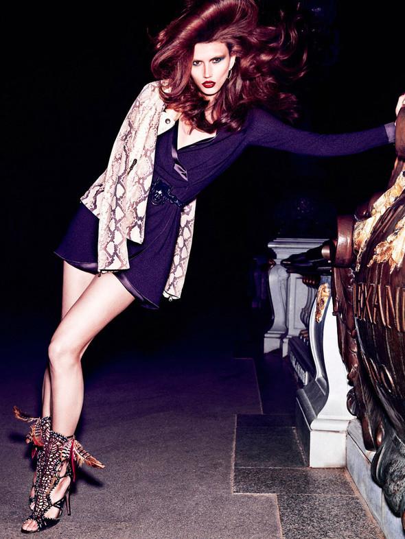 Съёмка: Тара Джилл для Vogue. Изображение № 1.