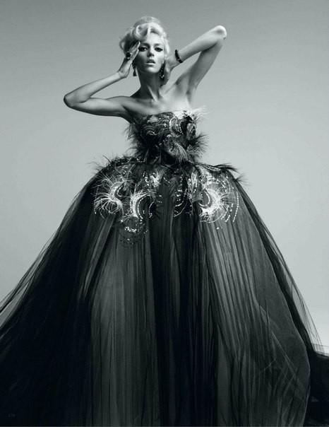 Аня Рубик для Vogue Japan (май 2012). Изображение № 3.