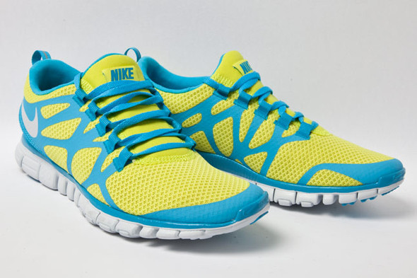 NIKE FREE 3.0 V.3 (LIME/CURRENT). Изображение № 2.