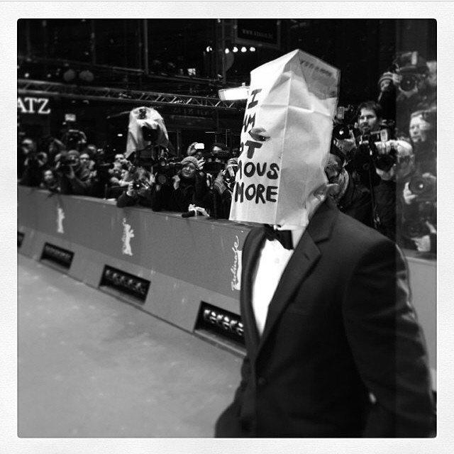Шайа ЛаБаф надел на премьеру «Нимфоманки» бумажный пакет. Изображение № 1.