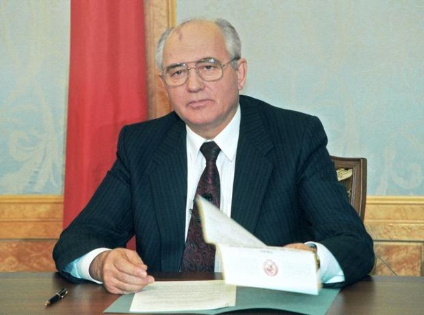 Михаил Горбачев. Изображение №2.