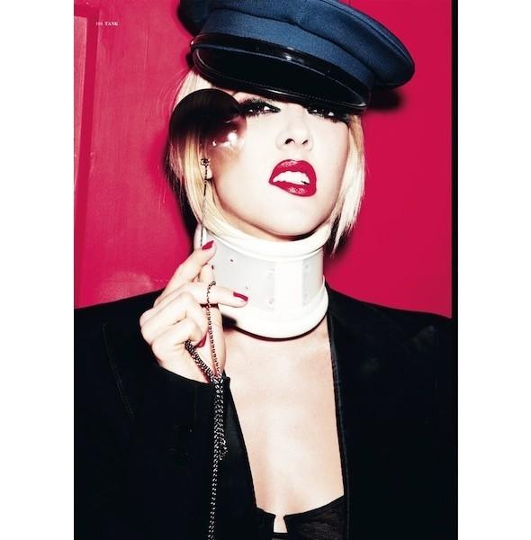 5 новых съемок: 10, Self Service, Tank, Vogue, W. Изображение № 27.