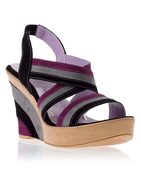 Изображение 45. Обувь: тренды лета 2011.. Изображение № 12.