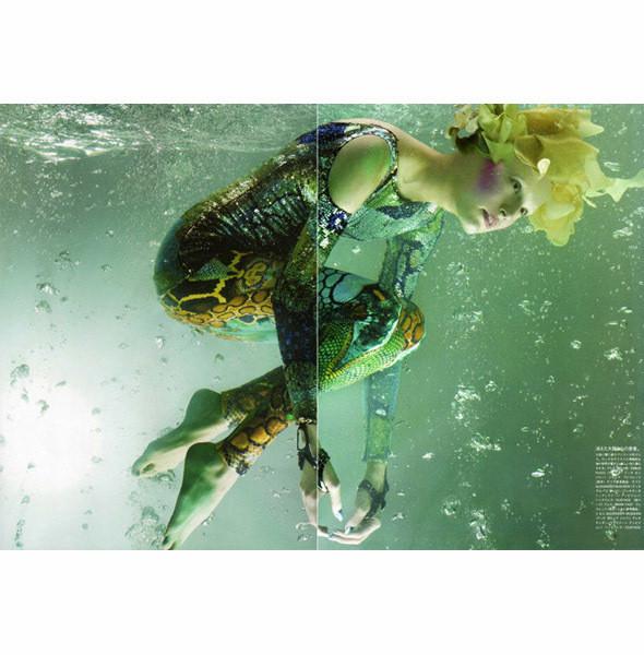 Съемка Vogue Nippon, май 2010, фотограф Сольве Сундсбо. Изображение № 27.