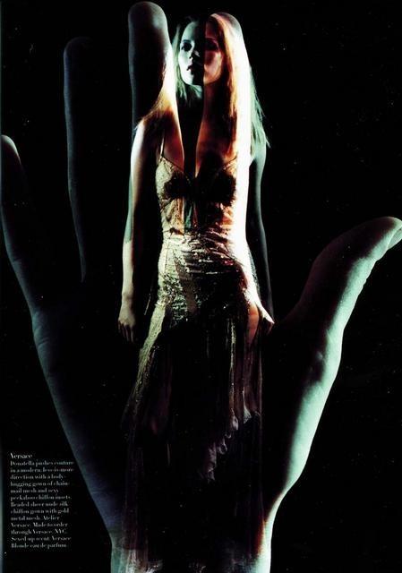Архивная съёмка: Кейт Мосс для Harper's Bazaar, апрель 1998. Изображение № 2.