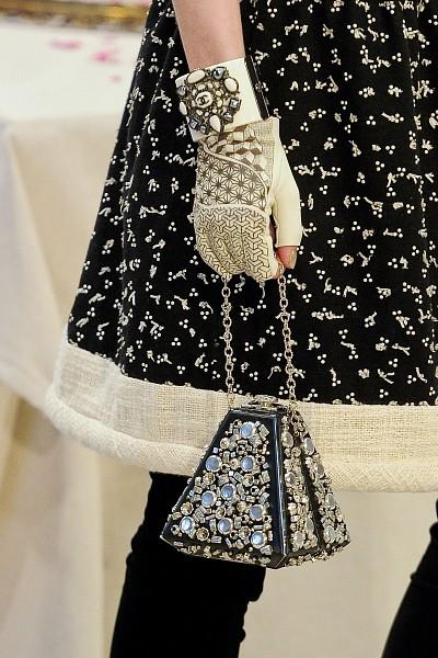 Детали с показа Chanel Pre-Fall 2012. Изображение № 16.