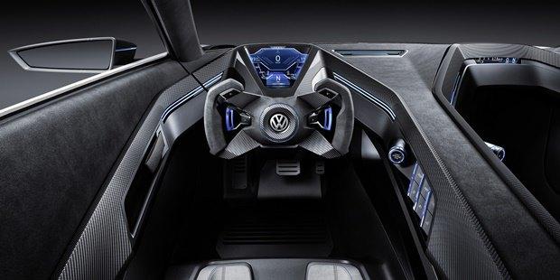 Volkswagen показал концепт автомобиля Golf GTE Sport . Изображение № 10.