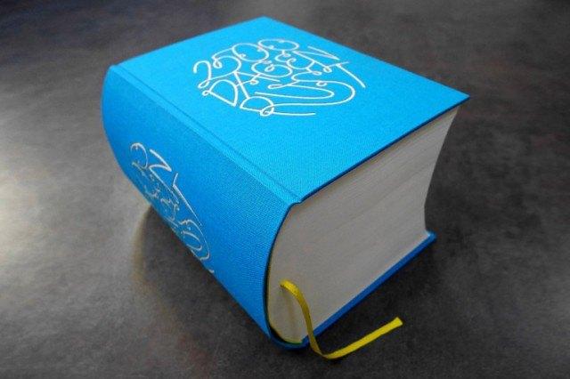 Иллюстратор издал 3,5-килограммовую книгу с 2 500 рисунками . Изображение № 8.