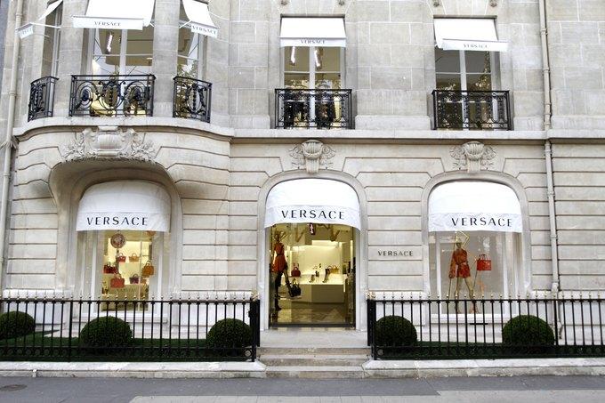 Emporio Armani, Mulberry и Versace открыли новые магазины. Изображение № 3.